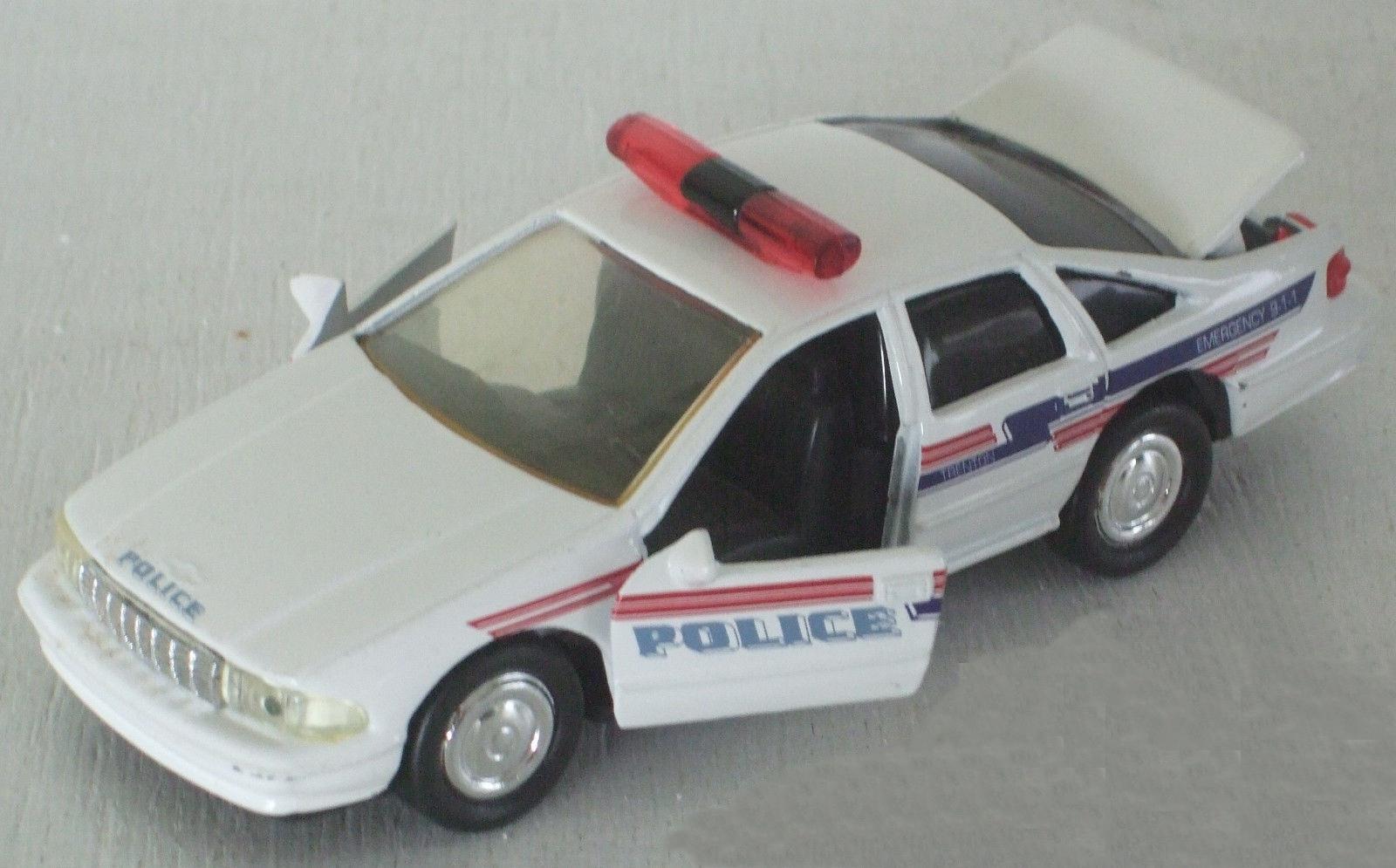 Model Vehicles Cars Trucks Convertibles Civilian Precision 1951 Chevrolet Police Car 895 1998 Chevy