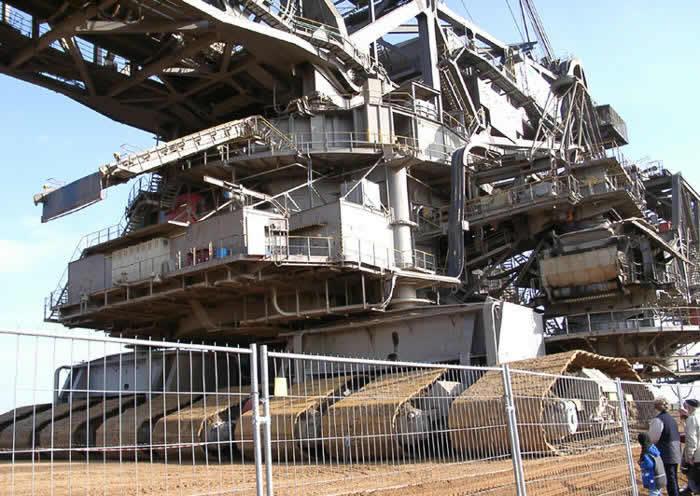 Humongous 45 500 Ton Machine The Largest Digging Machine